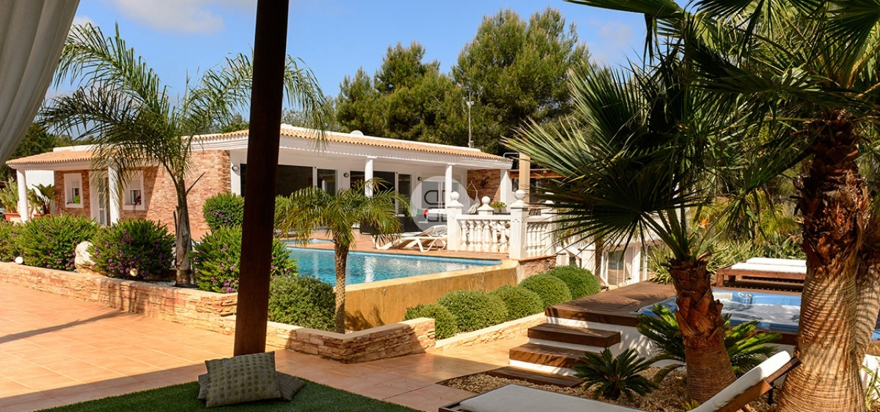 6 Bedrooms, Villa, For Rent, 7 Bathrooms, Listing ID undefined, Cala Llonga, Ibiza,