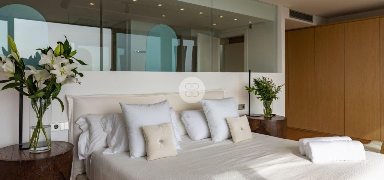 6 Bedrooms, Villa, For Rent, 8 Bathrooms, Listing ID undefined, Cap Martinet, Ibiza,